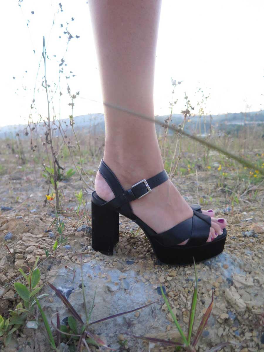 sandalia plataforma, sandalia negra, sandalia raso, sandals, rebeca valdivia, miss clov, personal shopper, donostia