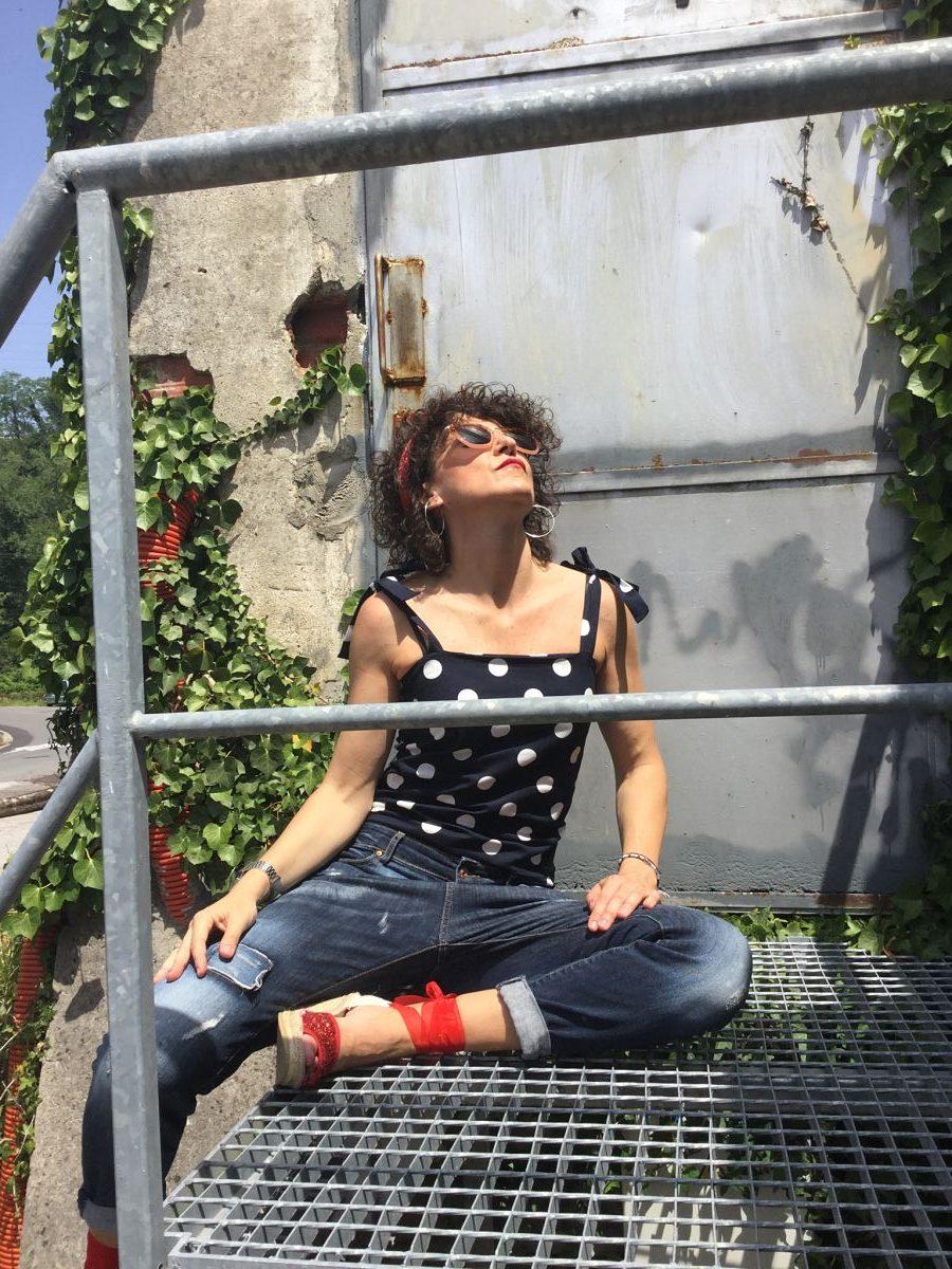 Rebeca Valdivia, Miss Clov, personal shopper, Donostia, San Sebastián, inspo, inspiración, inspiration, tendencia, trendy, lunares, polka dots, body, espadrilles, alpargatas, madehand, made in Spain, curlpower, curls, boyfriend jeans, bandana