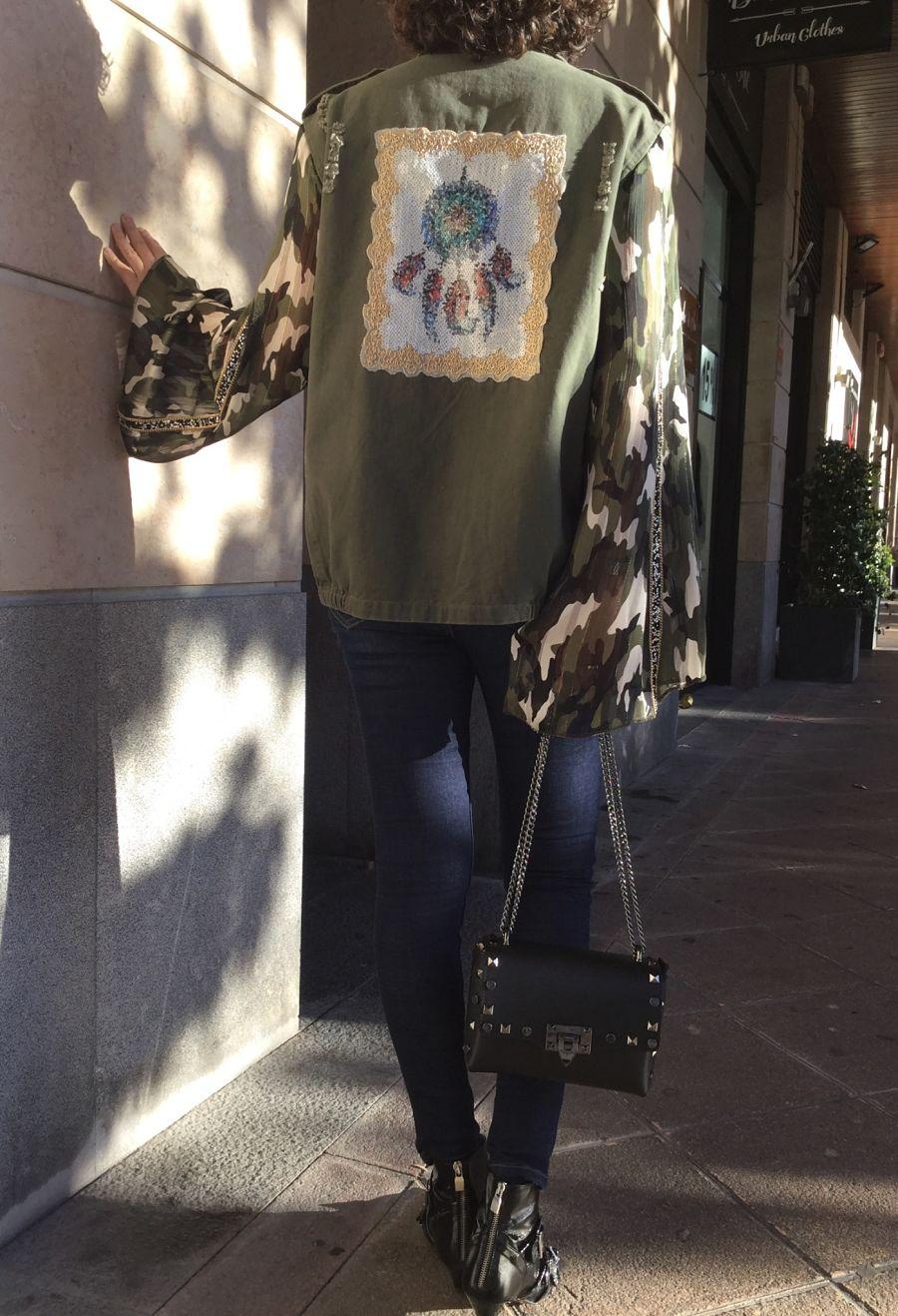 Rebeca Valdivia, asesora de imagen, asesora eventos, personal shopper, estilista, stilist, Donostia, San Sebastián, Miss Clov, tienda, boho & chic, boho style, accesorios, camisa militar