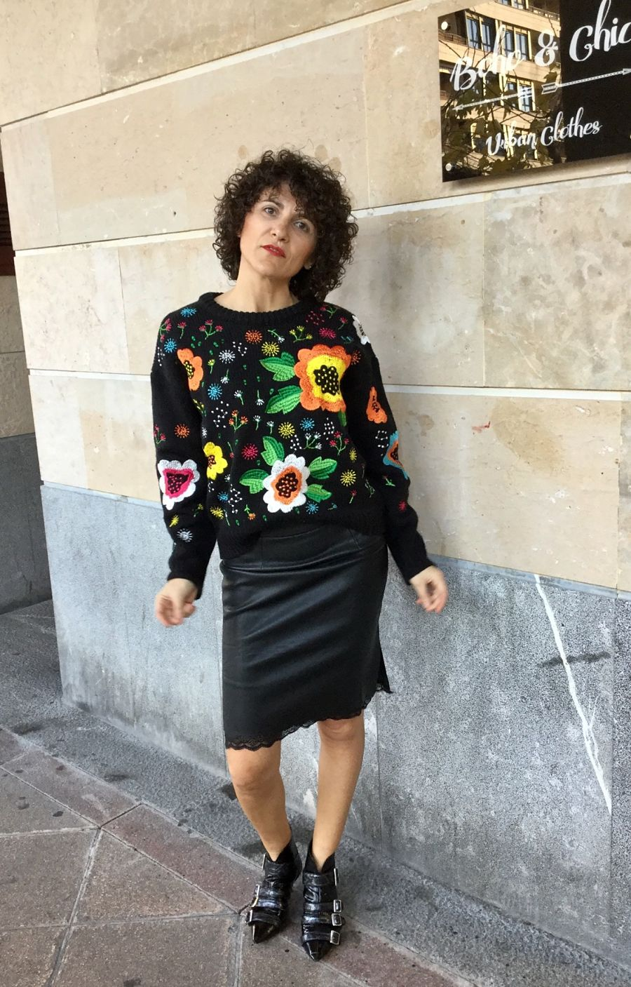 Rebeca Valdivia, asesora de imagen, asesora eventos, personal shopper, estilista, stilist, Donostia, San Sebastián, Miss Clov, tienda de ropa, clothes shop, boho & chic, boho style, accesorios, jersey flores, flowers sweater
