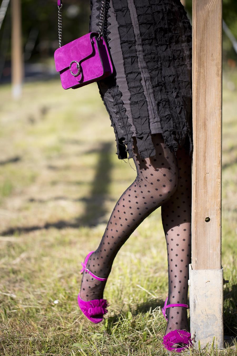 Rebeca Valdivia, personal shopper, Donostia, San Sebastián, Miss Clov, origami dress, vestido origami, sandalis tacón, boho, flecos, frills sandals, Iñaki Kilate, origami, papiroflexia, bolso bandolera, bag, curls, rizos, curlpower