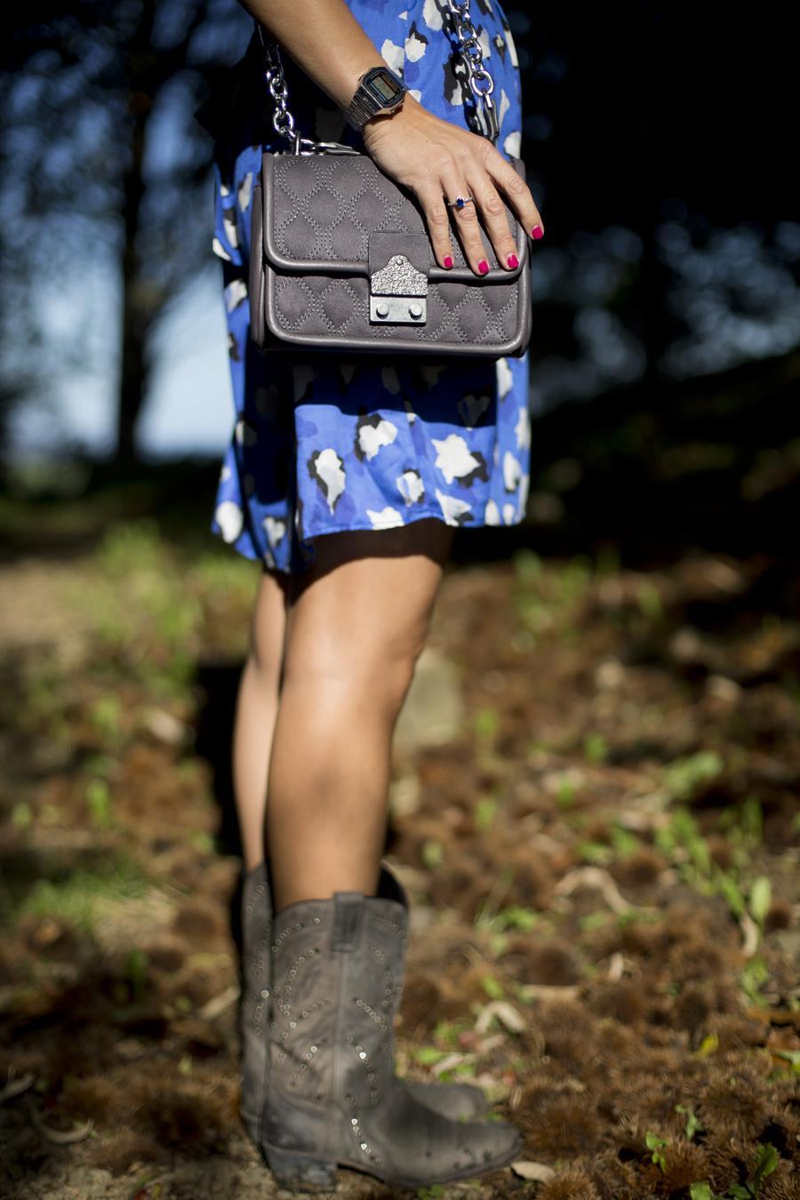 Rebeca Valdivia, personal shopper, estilista, stilist, Donostia, San Sebastián, Miss Clov, Rebeca Valdivia, estilista, personal shopper, stilist, rizos, curls, Vestido de leopardo, botas, Sendra, handmade, hecho a mano, made ni Spain, bag, bolso bandolera, animalprint, leopardo, dress