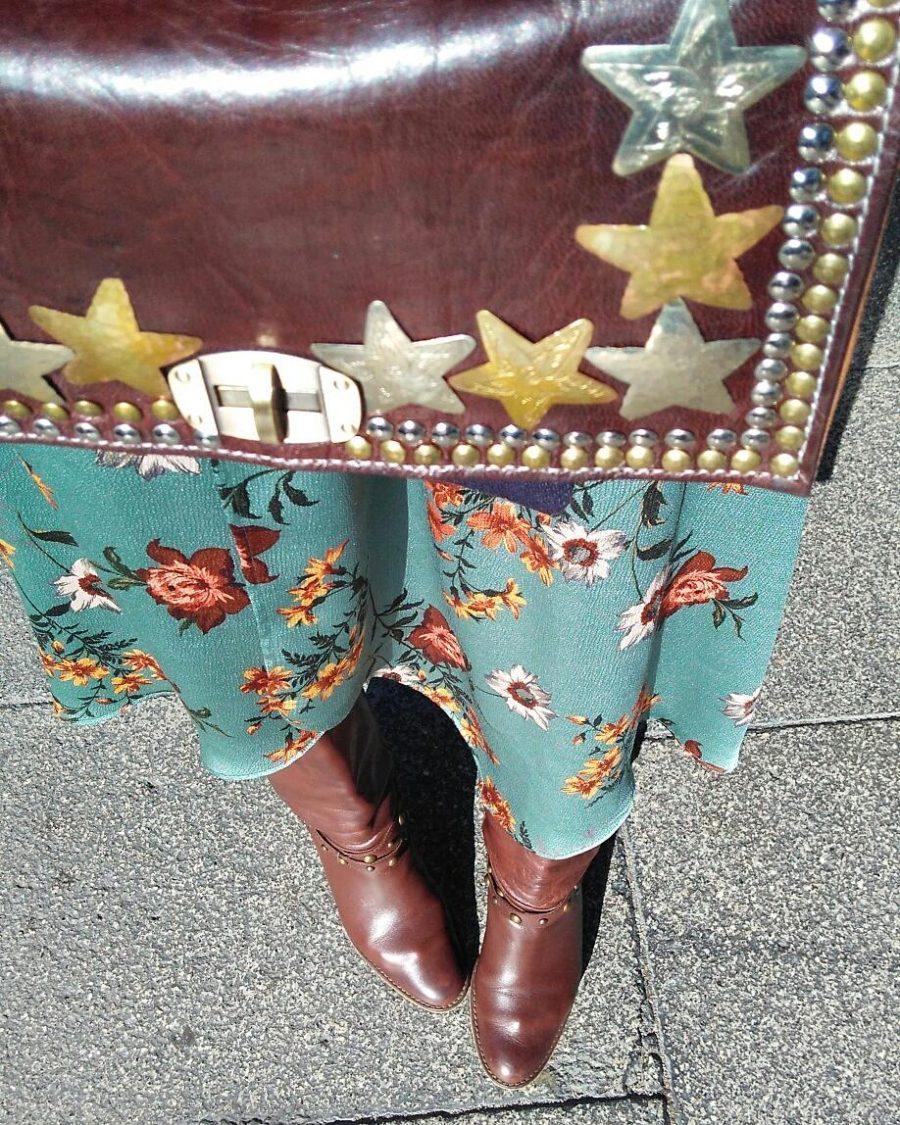 Rebeca Valdivia, personal shopper, estilista, stilist, Donostia, San Sebastián, Miss Clov, inspiration, inspo, inspiración, dress, grandmother's dress, vestido de la abuela, flowers dress, vestido de flores, vintage