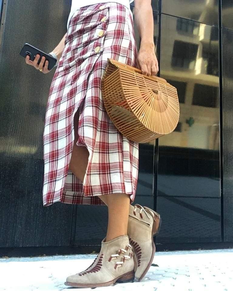 Rebeca Valdivia, asesora de imagen, personal shopper, estilista, stilist, influencer, Donostia, San Sebastián, Miss Clov, la blogger indie, influencer, cowgirl, boots, Sendra, handmade, made in Spain, artesanal