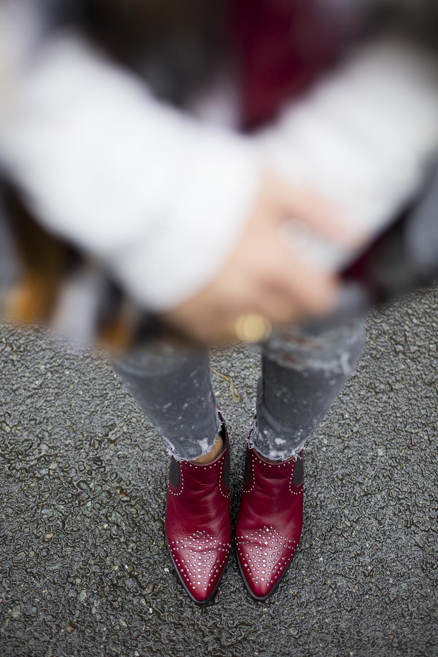 Rebeca Valdivia, asesora de imagen, personal shopper, estilista, stilist, influencer, Donostia, San Sebastián, Miss Clov, la blogger indie, influencer, ripped jeans, vaqueros rotos, denim, botín campero, tachas, alma y pena, boho & chic, abrigo pelo, fax fur coat, tomboystyle, jersey punto, sweater