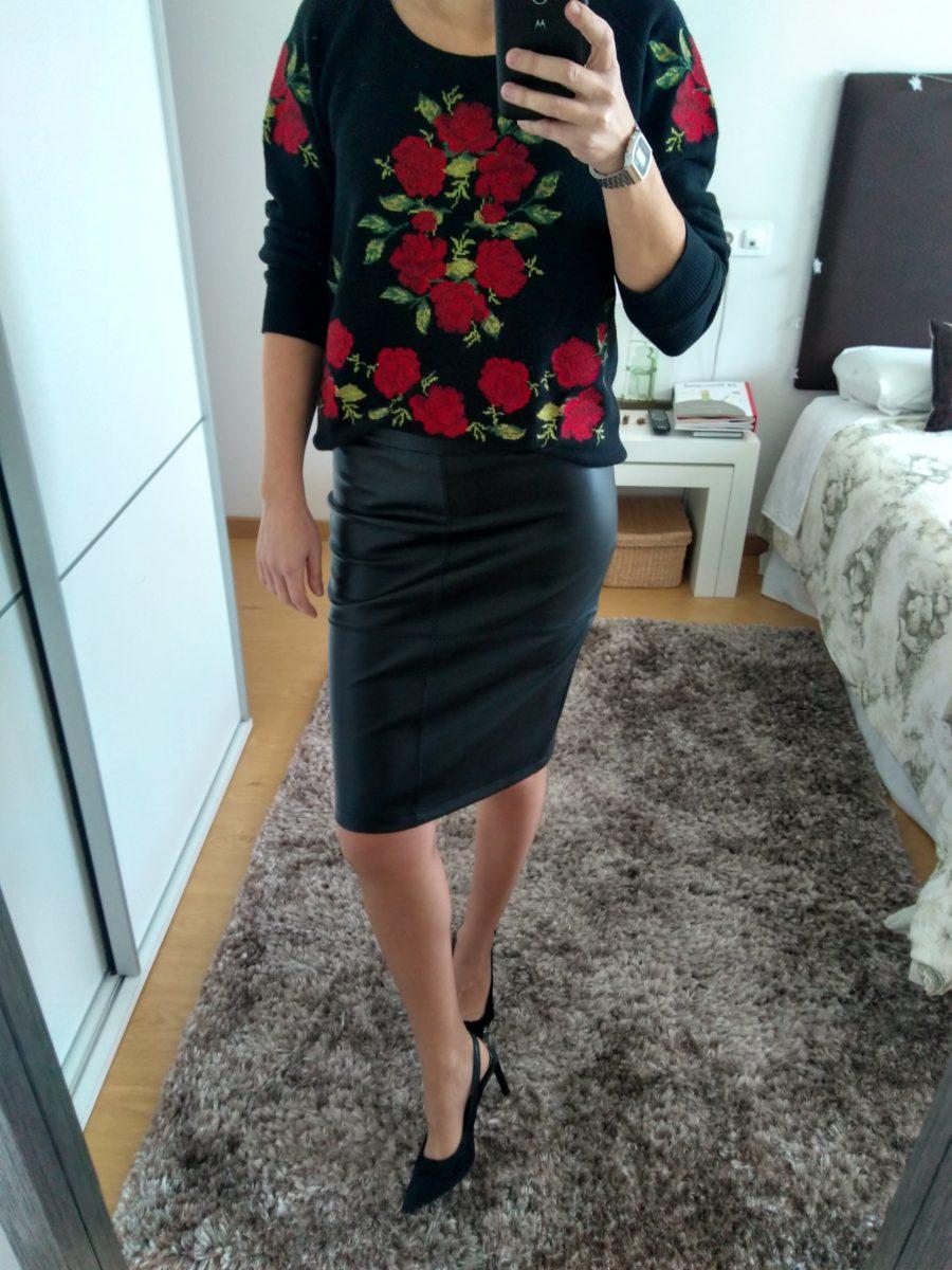 Rebeca Valdivia, asesora de imagen, personal shopper, influencer, Donostia, San Sebastián, Miss Clov, la blogger indie, influencer, falda lápiz negra, falda de cuero negra, lady skirt, basic, básico, streetstyle