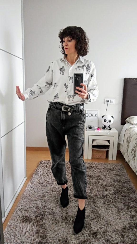 Rebeca Valdivia, asesora de imagen, personal shopper, influencer, Donostia, San Sebastián, Lasarte, Miss Clov, marca, patente, la blogger indie, baggy, slouchy jeans, pantalón, vaquero, denim, trendy, tendencia, camisa blanca, white shirt